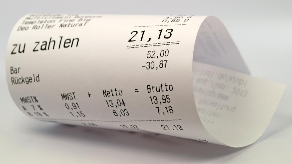 An important part of cash handling is providing customers with a receipt.