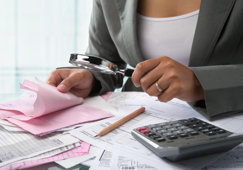 An independent audit is carried out by a neutral third party, such as a professional accounting firm.